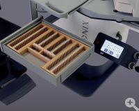 VX3000 Schublade mit integriertem holzgerfrästem Nutenrahmen und TouchScreen Bedienung